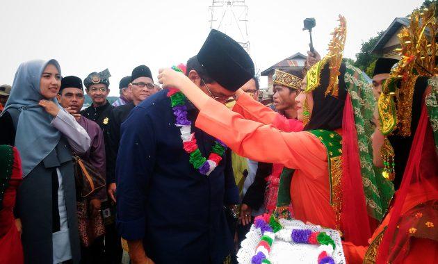 Gubernur Kepri Hadiri Kegiatan Nikah Masal Suku KAT